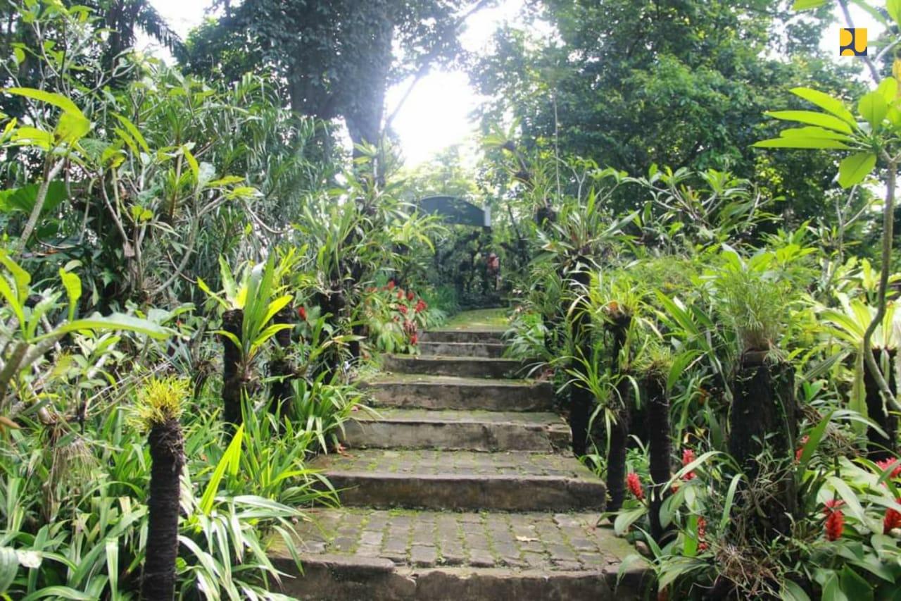 Bunga Berbahaya Di Kebun Raya Bogor